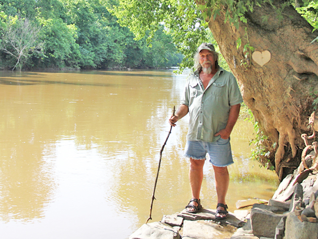 """River rat"" loves his life along the Rappahannock"